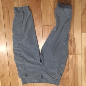Athleta gray crops size 8